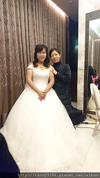美麗新娘子與唐果合照