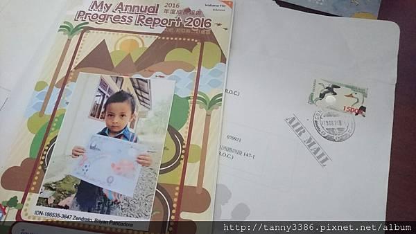資助孩童寄來的卡片