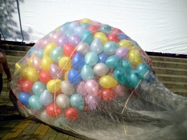 往上飛的氣球