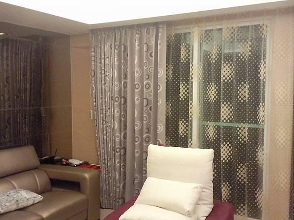 汐止區遮光窗簾及窗紗訂做安裝3.jpg