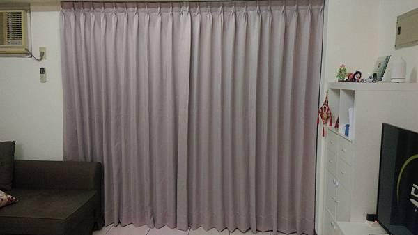 壁簾天窗簾店-汐止區和平街素色三明治遮光窗簾訂做安裝.jpg