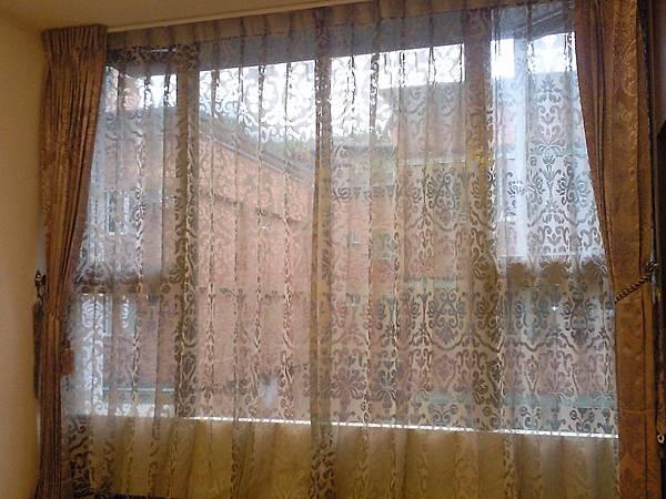 壁簾天窗簾店提供汐止區窗簾窗紗訂做安裝.jpg