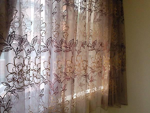 壁簾天窗簾店提供汐止區窗簾窗紗訂做安裝1.jpg