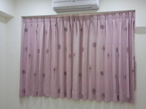 壁簾天窗簾店提供汐止區雙開三明治遮光窗簾訂做安裝2.jpg