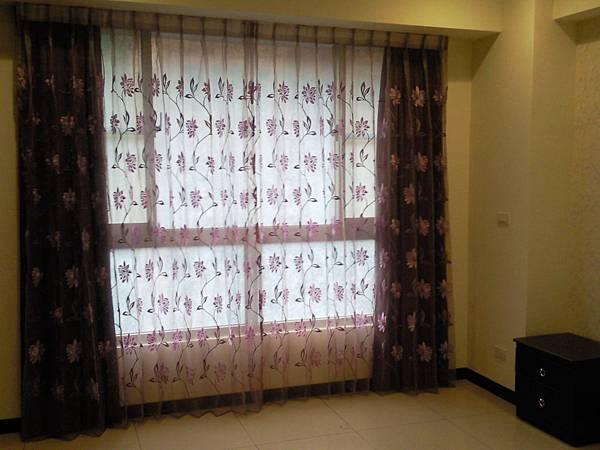 壁簾天窗簾店提供汐止區雙開窗簾窗紗訂做安裝2.jpg