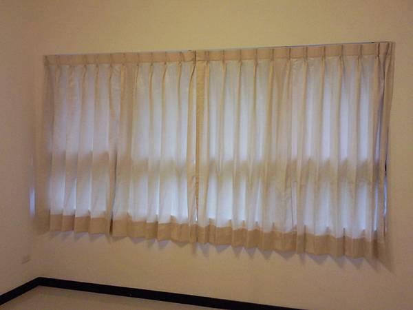 壁簾天窗簾店提供南港園區街窗簾窗紗訂做安裝1.jpg