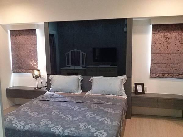 壁簾天窗簾店提供南港區羅馬式窗簾訂做安裝.jpg