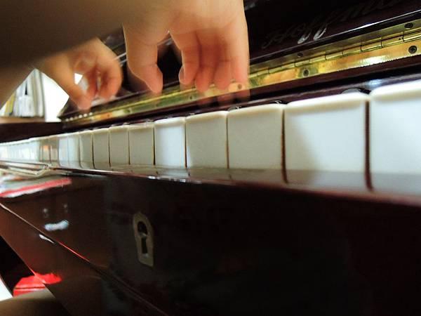 彈琴~ 072