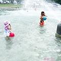 玩水好開心!