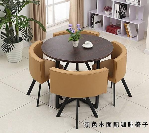 黑色木面咖啡椅,極簡的桌椅組合