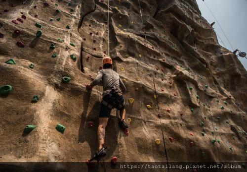 vananavahuahin-climbingwall.jpg
