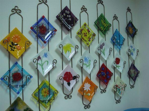 以玻璃製品做為壁飾,還挺不賴的.JPG