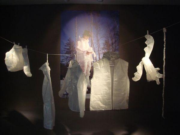 穿起來吧~《雪衣》in 2展室.JPG