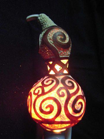 黃應龍葫蘆雕刻創意展作品回歸幾何--旋.JPG