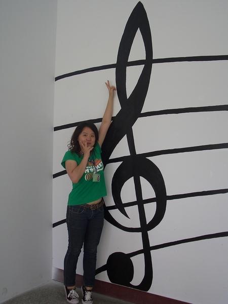 這高音譜記號真的是很大!!!