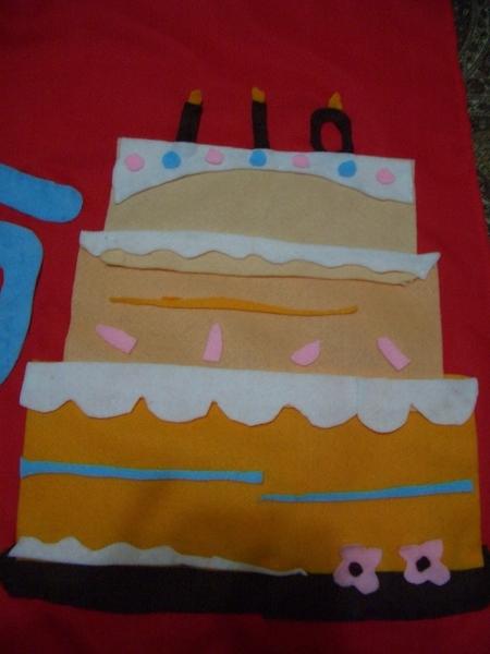 右邊的110週年蛋糕