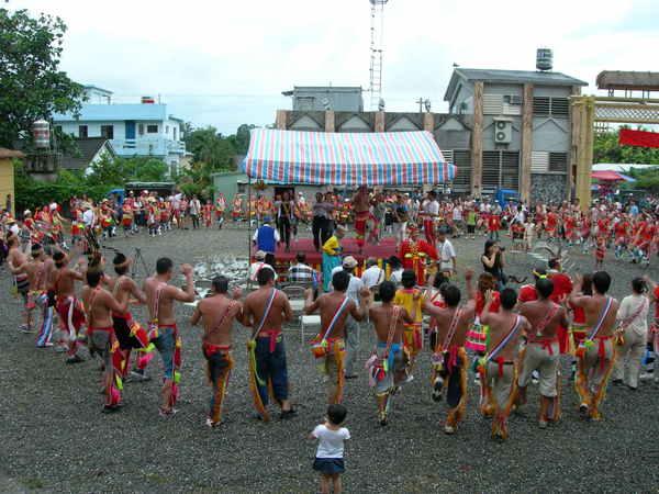 正好遇上苓雅部落豐年祭