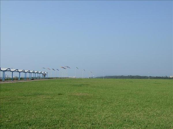 正中午的看海公園
