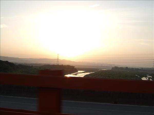 油羅溪橋上的夕陽
