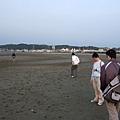 海灘漫步尋蟹蹤