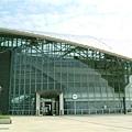 車站主體呈橢圓形