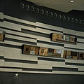 北上月台手扶梯旁之裝置藝術