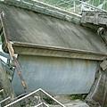 特地保留下來的受損的水門