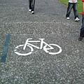 還有自行車專用道...