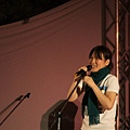 夢露樂團---主唱很可愛很有喜感XD