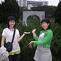 北師替竹湖拍的宣傳照之二--涵瑜&大象