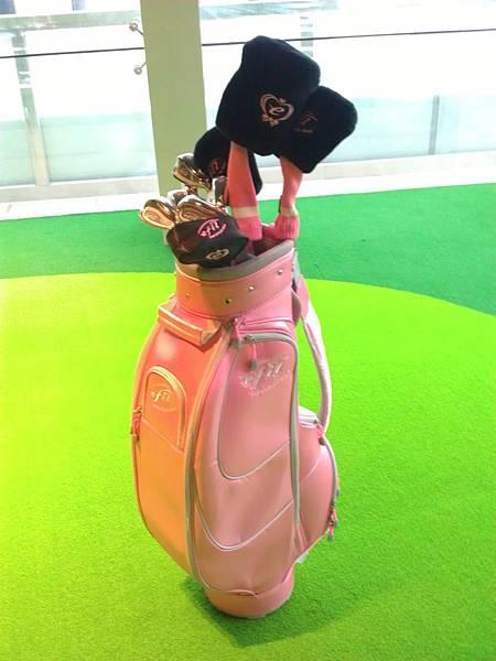 粉紅色高爾夫球具組1