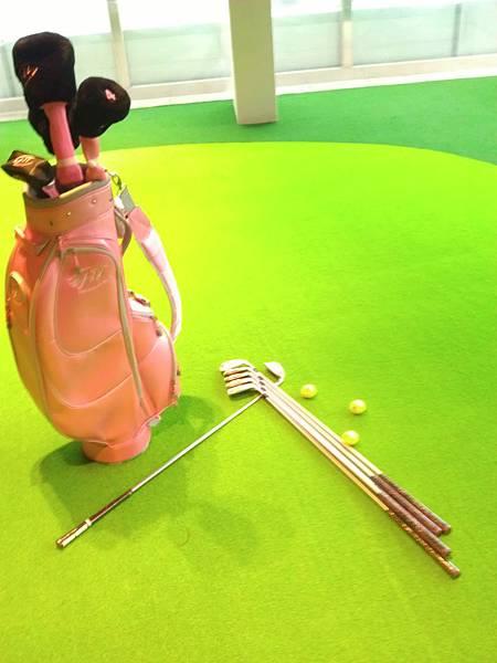 粉紅色高爾夫球具組2