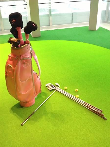 粉紅色高爾夫球具組3