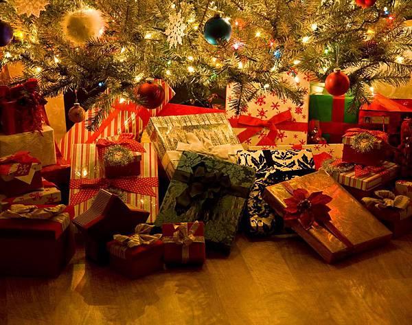 gifts-aa-xmas-gifts.jpg