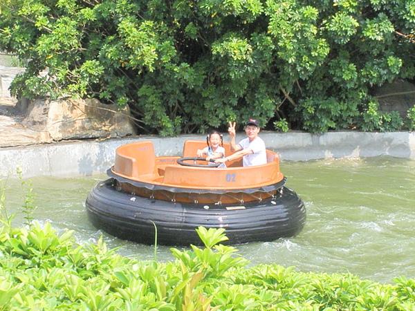 泛舟超好玩的!