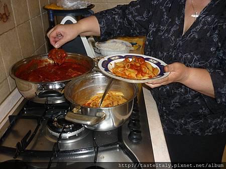 番茄醬牛肉捲蝴蝶麵