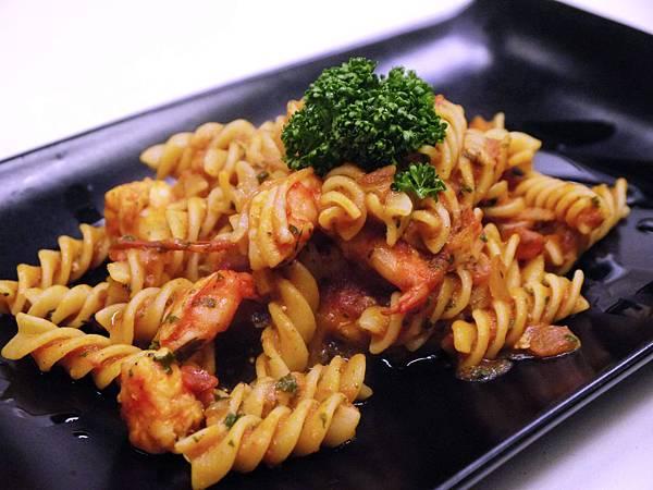 百味來拿波里紅醬鮮蝦義大利螺旋麵