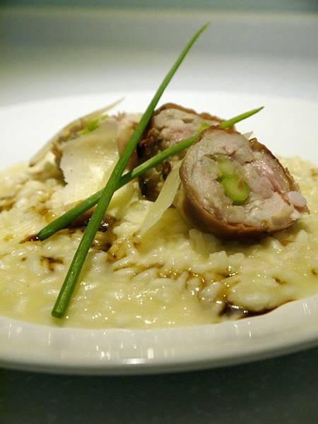 摩典那陳年巴薩米可燉飯與帕馬火腿雞肉卷
