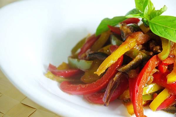 【Bambino鹹點篇】小兵立大功, 美味配菜-「燉甜椒」