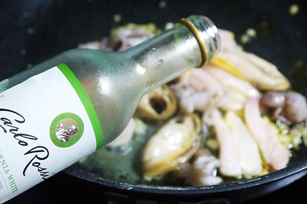 【Bambino義大利麵篇】番茄醬汁再利用-「海鮮蕃茄麻花捲麵」