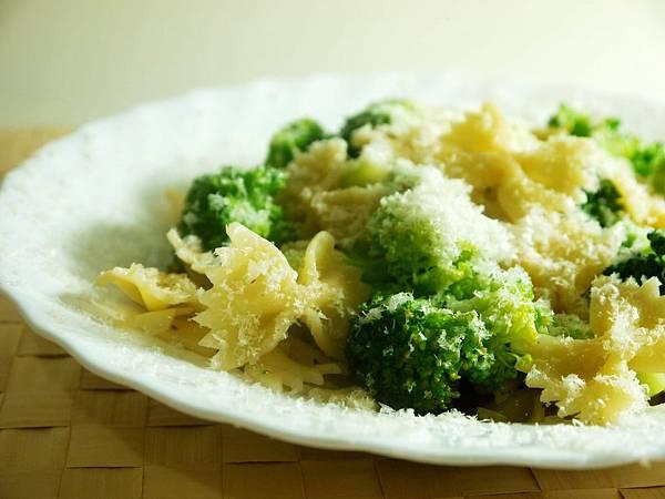 【Bambino義大利麵篇】暖男上菜-210卡路里「花椰菜義大利麵」