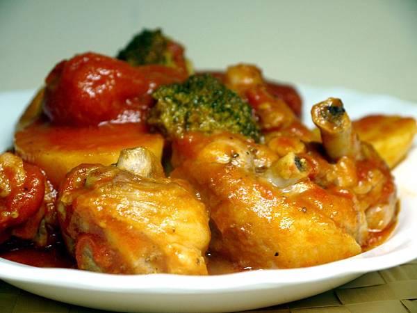 【Bambino肉類篇】「蕃茄燉雞肉」連湯汁也唏哩呼嚕嗑光了~