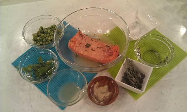 檸汁香煎鮭魚-材料