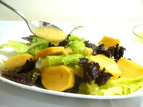 【Bambino沙拉篇】吃當季「甜柿油醋沙拉」~