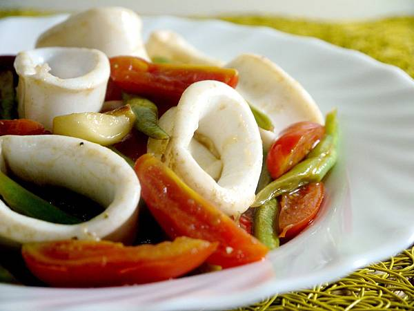 【Bambino海鮮篇】鮮甜海味「鯷魚拌炒烏賊蕃茄四季豆」~