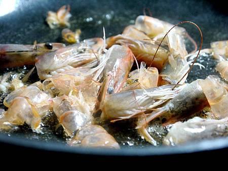 【Bambino義大利麵篇】好吃美味「青醬鮮蝦義大利麵」~