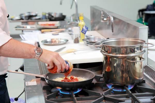 地中海烤蕃茄鯛魚蔬菜紅醬義大利麵