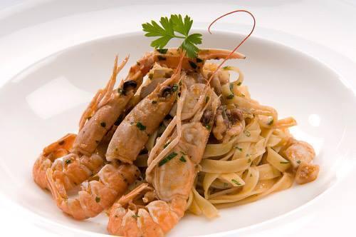 海鮮義大利鳥巢麵 (Tagliatelle with Squid and Prawn)