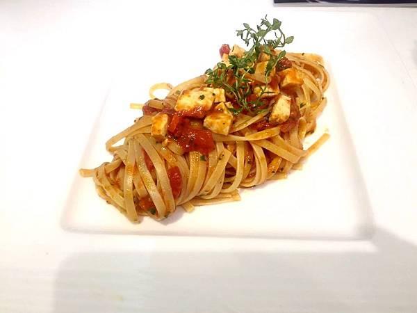 旗魚蕃茄細扁麵