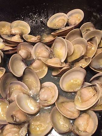 白酒蛤蜊麵 Bavette with Clams